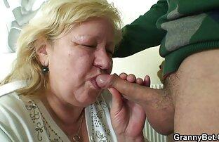 Busty milf in calze con il suo dildo video hard orge italiane in webcam