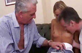 Ragazza gira il suo culo senza togliersi film porno italiani da scaricare le mutandine e le calze in webcam